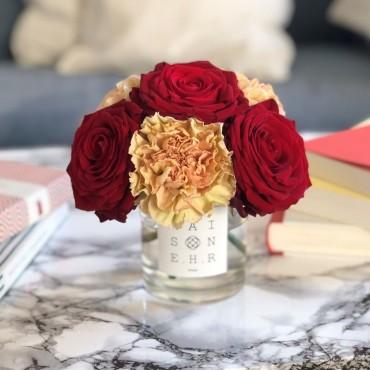 bouquet mignon rouge oeillet